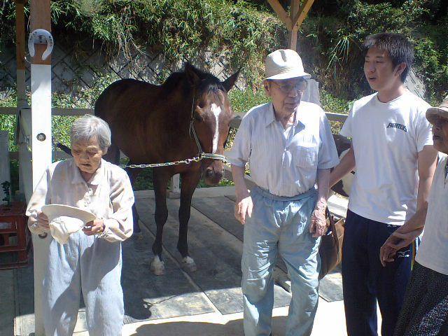 小野先生のレッスンとデイサービスの皆さんが来てくれました。